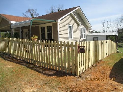benefits of wood fence