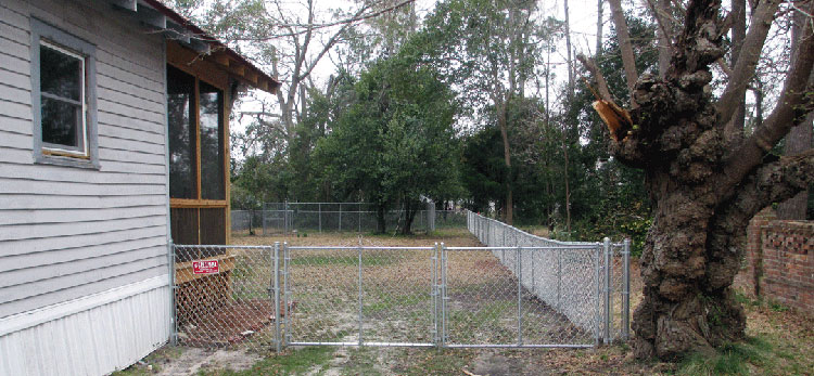 chain link fence gallery click on the image below to view more