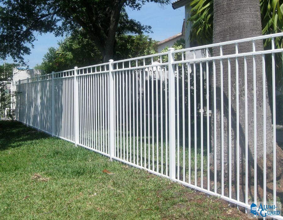 Alumni guard fences